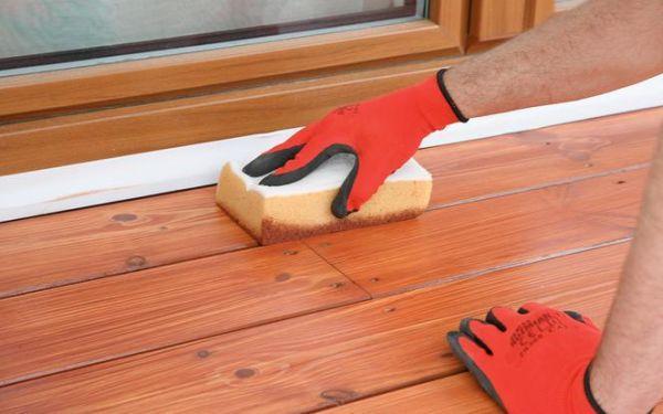 Jak olejować zniszczony taras drewniany. Zdjęcia krok po kroku